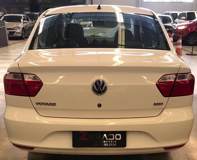 Volkswagen Voyage 1.6 MSI - Foto 5