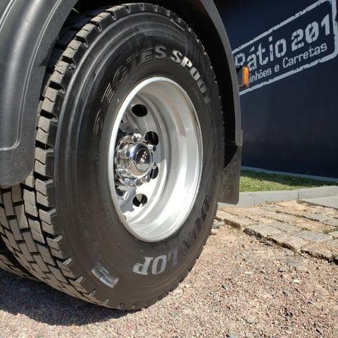 Caminhão Iveco Cursor 330 2011 4x2 (toco) - Foto 14