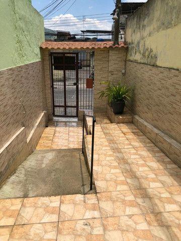 Boa Casa Linear de Vila, 2 qts, rua Manoel Reis, Praça do Exército, Nilópolis - Foto 14