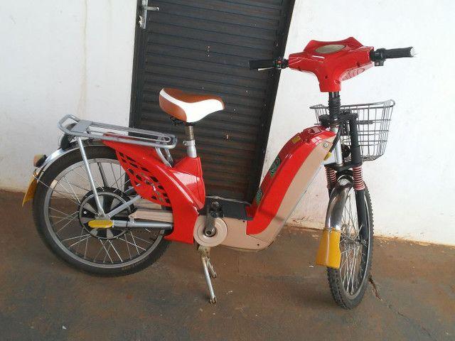 Bicicleta eletrica em Tres Lagoas 2.400.baterias novas com notas