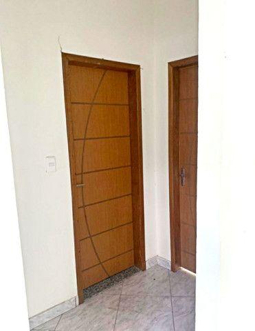 Casa de 2 quartos disponível para locação! Próximo ao Vianense (Jardim Alvorada) - Foto 2