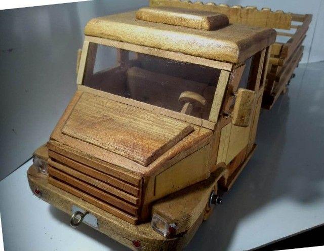Carrinho De Madeira Tipo Caminhão  - Foto 3