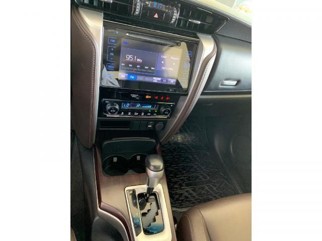 Toyota Hilux Sw4 2.7 SRV 7 LUGARES 4X2 16V FLEX 4P AUTOMATICO - Foto 13