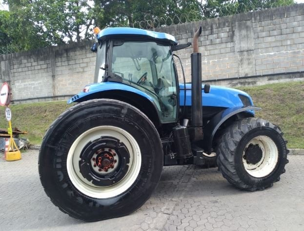 Trator New Holland T7240 - Foto 3