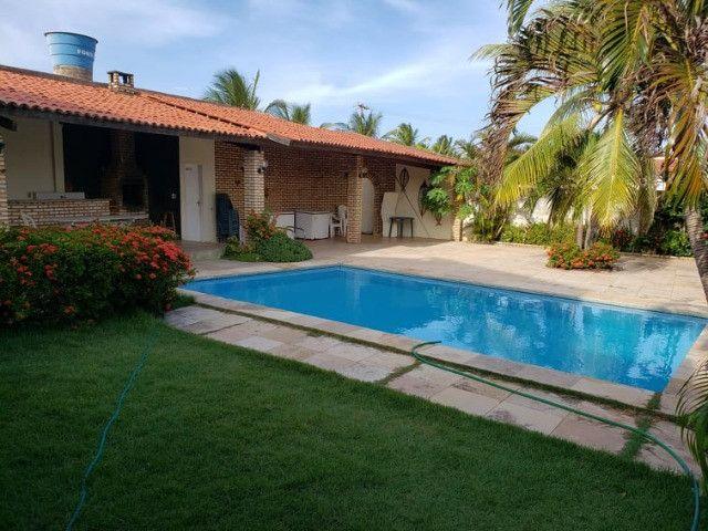 Oportunidade! Belíssima casa duplex localizada a pouquíssimos metros do Beach Park - Foto 2