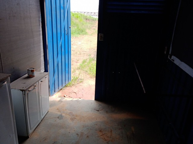 Containers tleilers Vendo Alugo  2:50 por 6:00