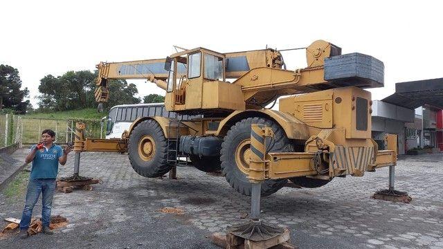 Guindaste Villares VG 40 ANO 91/91 para 37 ton