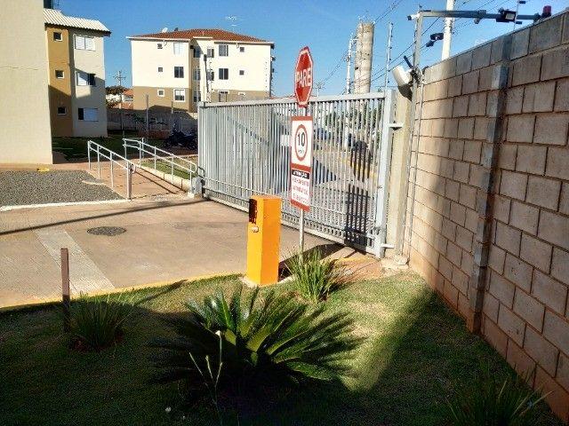 Apartamento térreo no condomínio Itagi - Taxas já incluídas no valor do aluguel - Foto 2