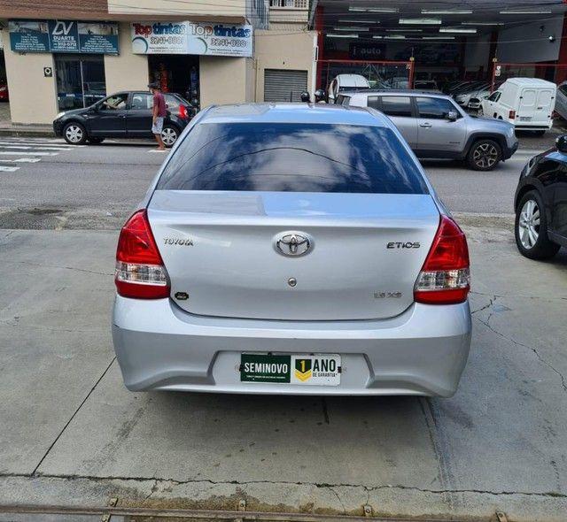 ETIOS XS Sedan 1.5 Flex 16V 4p Aut. - Foto 4