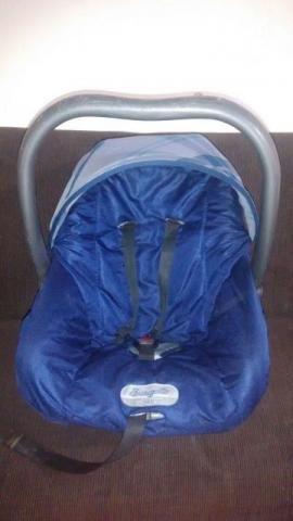 Bebê conforto e cadeirinha para automóvel