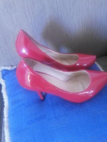 Sapato constance original vermelho semi novo lindo.vendo barato.usado apenas uma vez