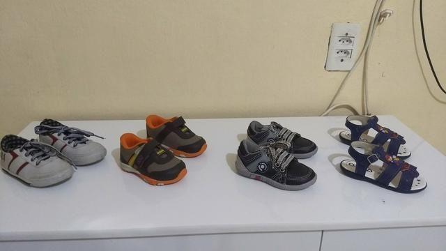 Lotes de sapatos e sandálias bem conservados