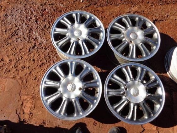 Jogo rodas Vectra 1997 CD 5 furos