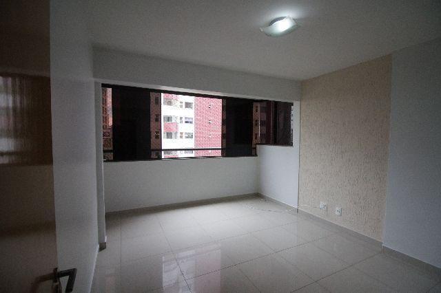 Troco apartamento - Qd. 102 - Res. Ouro Branco - Aguas Claras