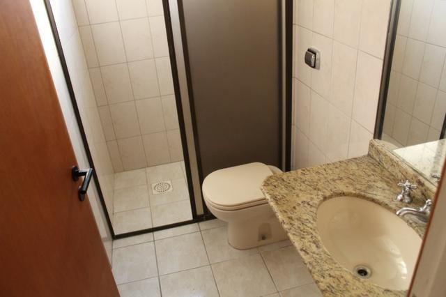 18317 - Apartamento com 3 dormitórios, sendo 1 suíte - 95 m²Centro - Foto 5