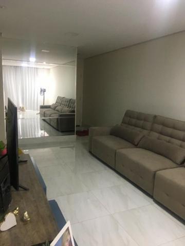 Casa térrea com moveis planejados, piso porcelanato, ar condicionado! - Foto 3