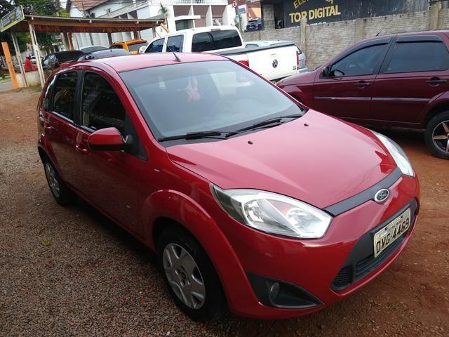 Fiesta Hatch 2014, 1.0, completo, só transferir, pego moto ou carro na troca! - Foto 2
