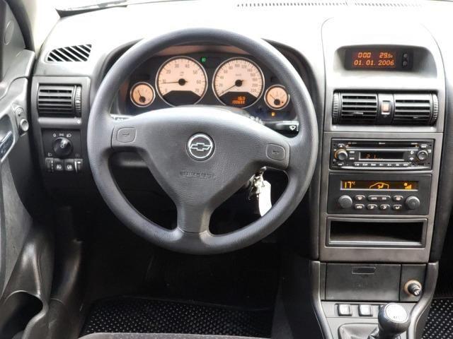 Astra hatch Advantage 2.0 manual - muito novo com GNV - Foto 18
