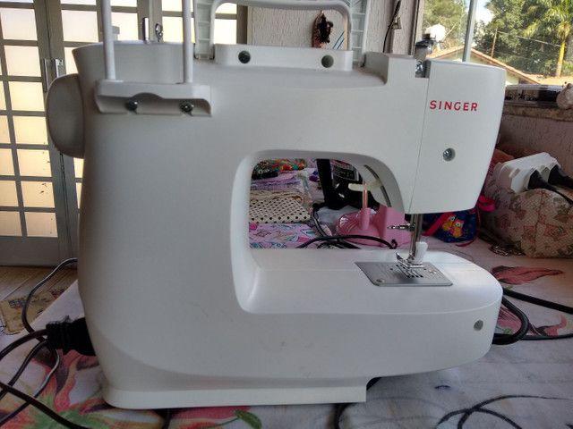 Máquina de costura Singer M1605 - Foto 3