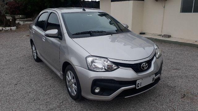 Toyota Etios Sedan XLS automático