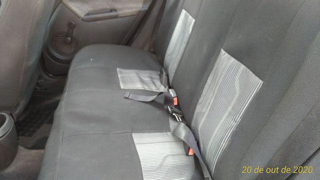 Ford Fiesta Sedan Class 1.6 2009
