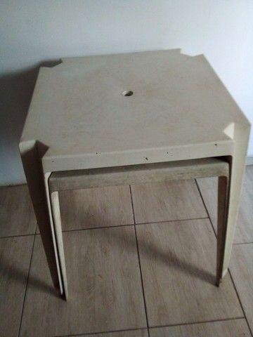 Vendo 2 mesas em bom estado . - Foto 3