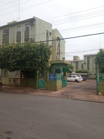Apartamento com 3 dormitórios para alugar, 57 m² por R$ 980,00/mês - Jardim Aeroporto - Vá