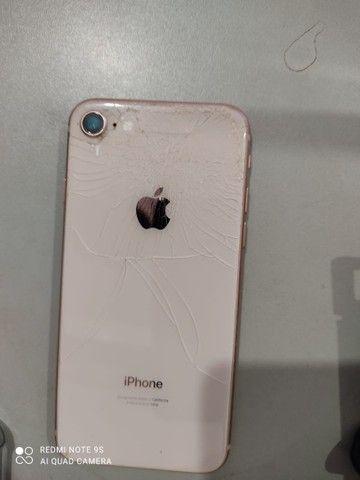 iPhone 8 trincado a traseira - Foto 2