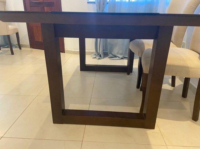 Linda mesa de jantar em madeira maciça - Foto 4