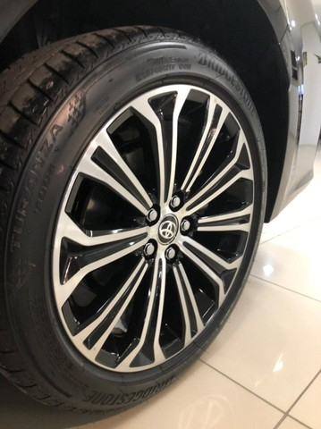 Imperdível!!! Toyota Corolla Altis Premium Hybrid 1.8AT 2021 com apenas 6 mil km! - Foto 13