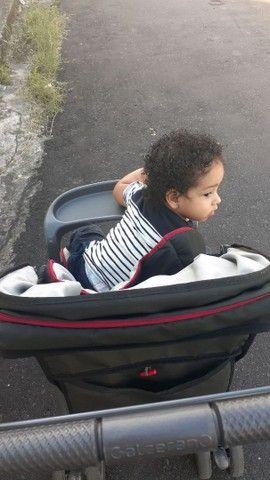 Vendo Carrinho de Bebê e Bebe Conforto Com Suporte Galzerano  - Foto 2