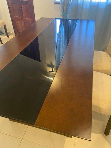 Linda mesa de jantar em madeira maciça - Foto 3