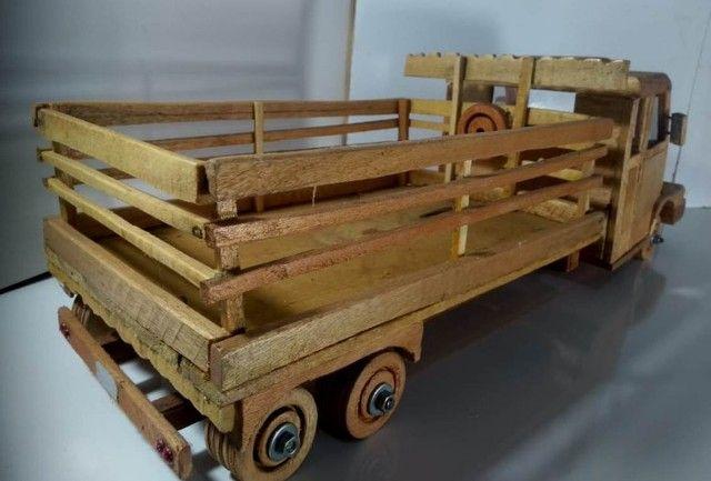 Carrinho De Madeira Tipo Caminhão  - Foto 4