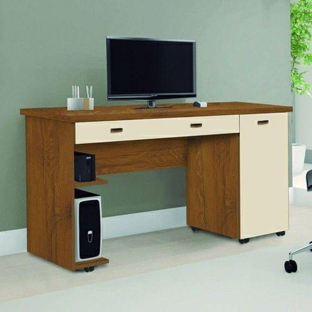 Mesa de computador com gaveta e porta (entrego grátis)
