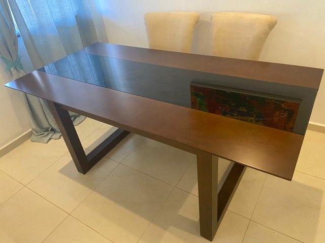Linda mesa de jantar em madeira maciça - Foto 6