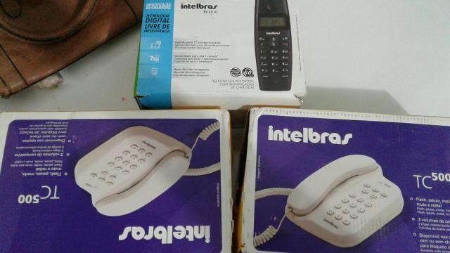 Telefones celulares convencional na caixa novos 3 telefones