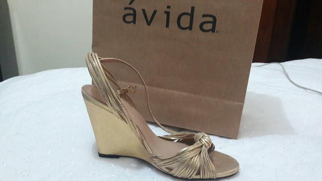 Vendo sandália Anabela