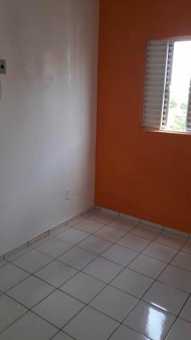 Apartamento no condomínio Torquato Neto