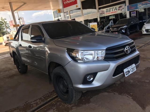 Toyota- Hilux CD 2.8 4x4 2017 - Foto 2
