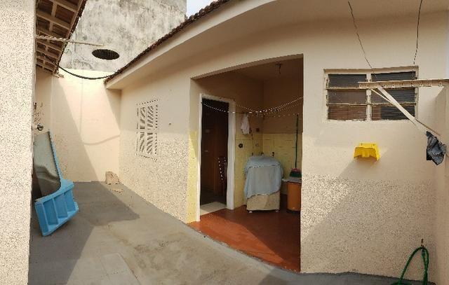 Casa Térrea em ótima localização no centro - Foto 12