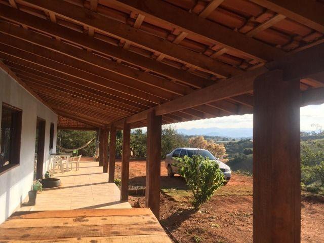 Linda chácara à venda em Cambuí de 30.200 m² com ótima casa avarandada