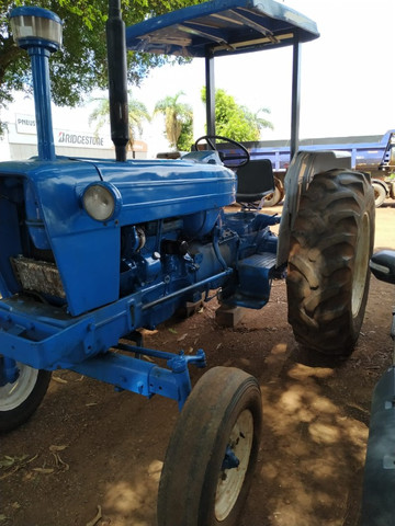 Trator Ford - Modelo 6600 - Ano 80