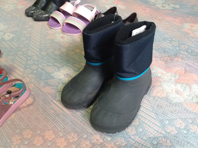 Sapatos botas sandália infantil - Foto 4