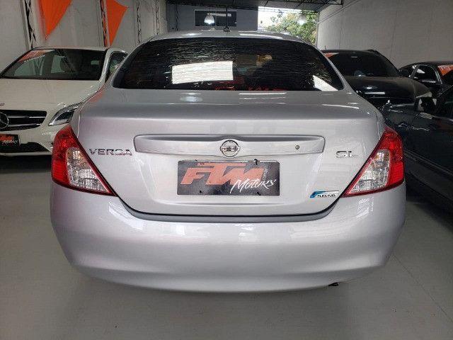 Nissan Versa SL 1.6 Flex 2013 - Foto 4