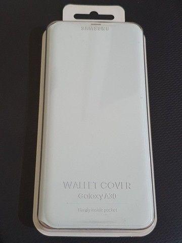 Capinha Original (Flip Wallet Cover) Samsung A30 - Foto 4