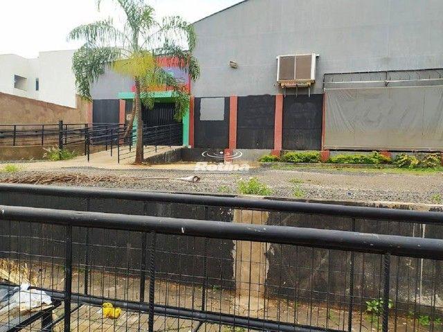 Galpão para aluguel, 15 vagas, Chácaras Tubalina - Uberlândia/MG