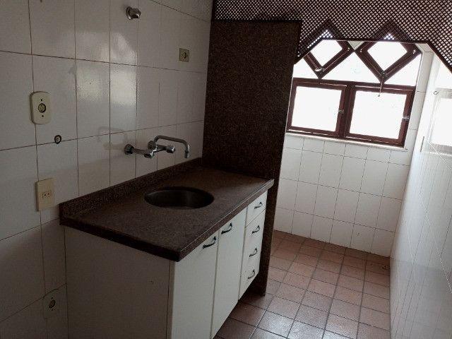 A301 - Apto com um dormitório em local nobre - Foto 10