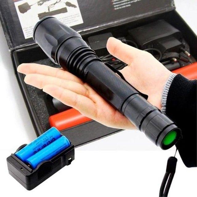 Lanterna Tática LED WU-T6 Police 2.210.000 Lumens Com 2 Baterias de Longa Duração - Foto 2