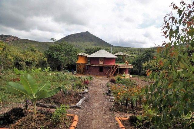 Vale do Capão Casa Artística 15 mil m2 com rio 2 quartos a menos de 1km da vila - Foto 4
