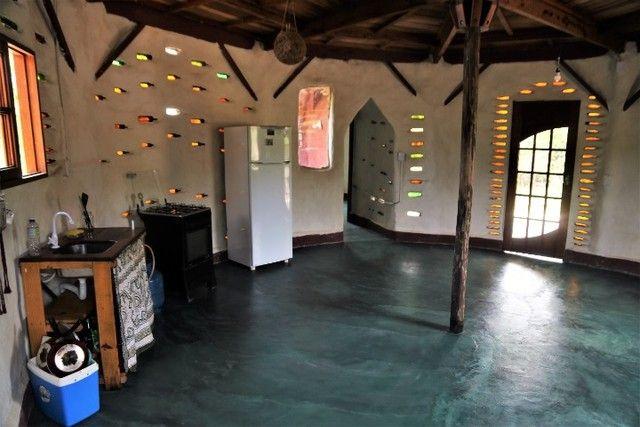 Vale do Capão Casa Artística 15 mil m2 com rio 2 quartos a menos de 1km da vila - Foto 7